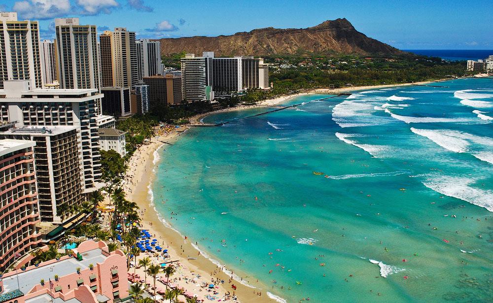 На Гавайях нет агентов, обученных продавать недвижимость?